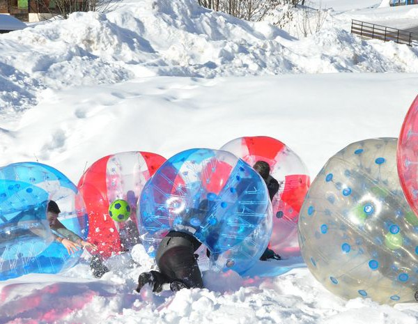 activité bubble foot snow party