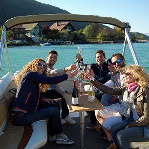 EVG Lounge Boat