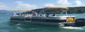 Lounge boat